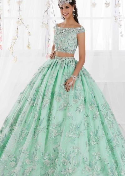 Quinceanera Gown House of Wu in mint